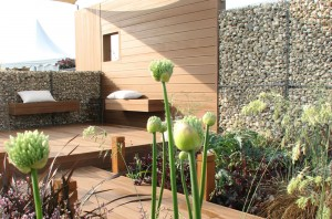 MODERN SEASIDE SHOWGARDEN MALVERN